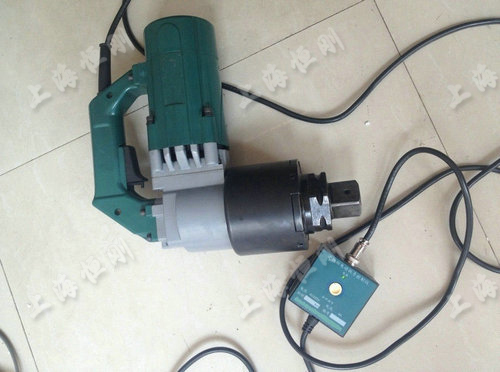 该电动扭力扳手广泛应用于栓焊结构桥梁的架设